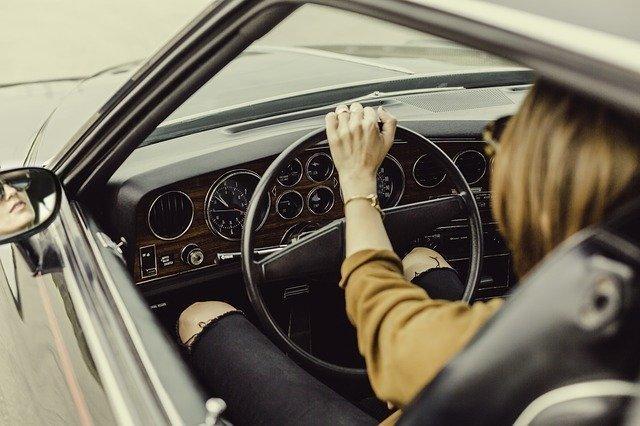 automotive-1866521_640.jpg